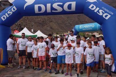 Más de cien personas marchan contra el cáncer en Valverde