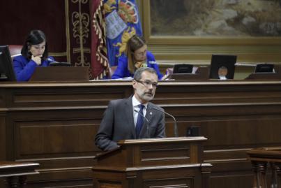 Marcial Morales pide en el Parlamento regional el título de gran población para liderar la Fuerteventura del siglo XXI