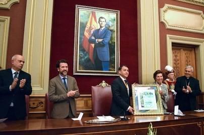 Santa Cruz entrega su Medalla de Oro al colegio Dominicas-Vistabella