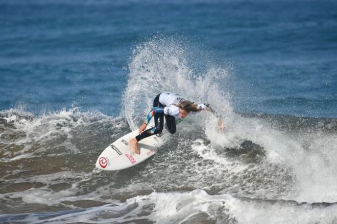 Melania Suárez triunfa en el Open LPA Surf City