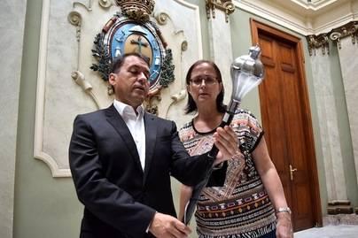 El bastón de mando de Enrique González se expondrá en la Casa del Carnaval