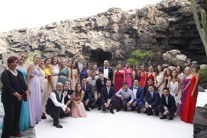 La Escuela Universitaria de Turismo de Lanzarote entrega las Orlas de la promoción 2014-2018