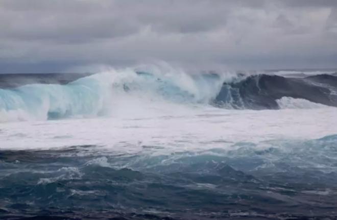 Todas las islas menos Fuerteventura están este viernes en aviso amarillo por viento y fuerte oleaje