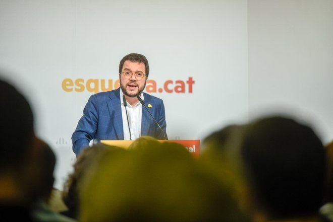 ERC acepta abstenerse y asegura la investidura de Sánchez