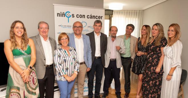 Fernando Clavijo inaugura el primer piso de Pequeño Valiente en Madrid