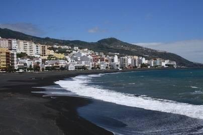 Santa Cruz de La Palma acota una zona de la playa para mascotas