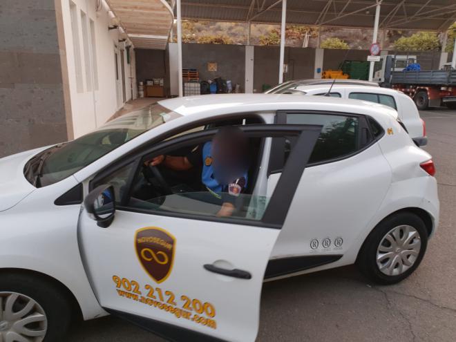Agaete usa vehículos de Seguridad privada para la Policía Local