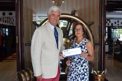 El RCNT entrega la recaudación del Trofeo UNICEF