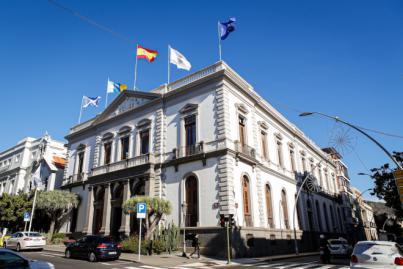 Santa Cruz de Tenerife acuerda suspender la celebración de las Fiestas de Mayo