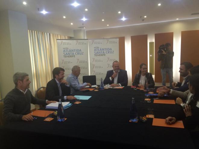 """Arriaga: """"No descartamos ninguna opción en el Cabildo de Tenerife"""""""