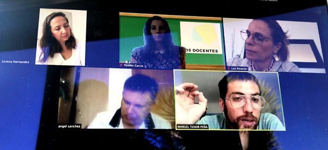 SOS Docentes se reune con los grupos políticos en el Parlamento