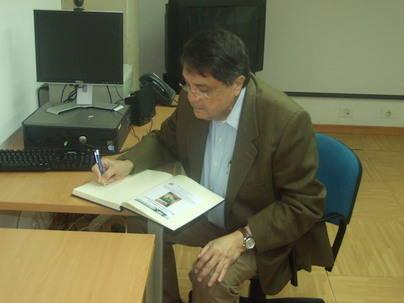 Muestra de Sergio Ramírez, Premio Cervantes 2017, en la Biblioteca Universitaria