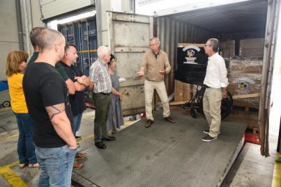 El Cabildo envía un contenedor de 10 toneladas a los campamentos saharauis