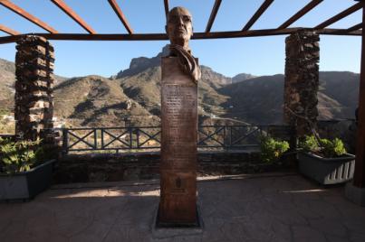 Una escultura de homenaje a Néstor Álamo, 'Sombra del Nublo', quede grabada en Tejeda