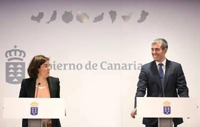 Clavijo y Sáenz de Santamaría cierran el acuerdo del REF