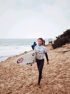 Melania Suárez gana el IV Open de Surf La Yerbabuena