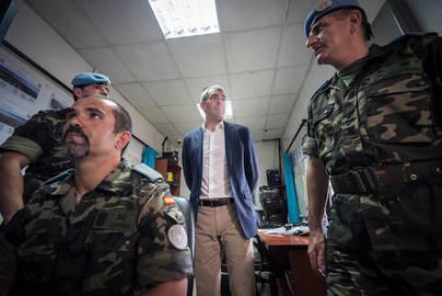 Clavijo destaca la labor que realizan las tropas isleñas en misión de paz