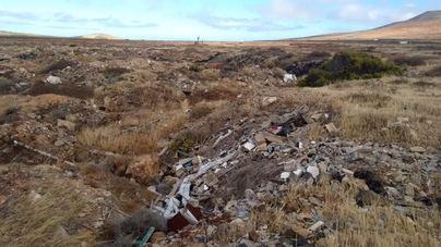 Cs denuncia la pasividad del Ayuntamiento de Teguise para acabar con los vertidos descontrolados en zonas naturales del municipio