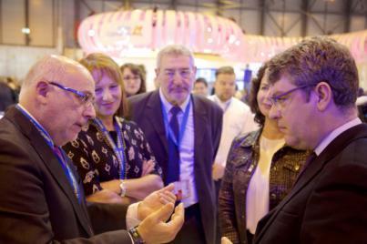 El presidente del Cabildo y el ministro de Turismo y Energía coinciden en la defensa de Gran Canaria como destino verde basado en las renovables