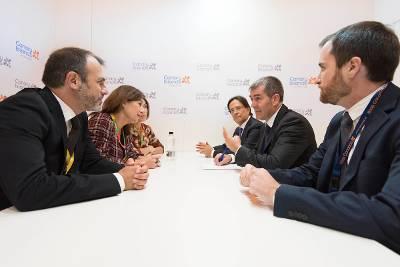 El presidente canario se reúne con Francina Armengol, presidenta de Baleares.