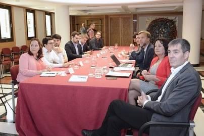 Canarias cuantifica para los estudiantes la rebaja en las tasas universitarias