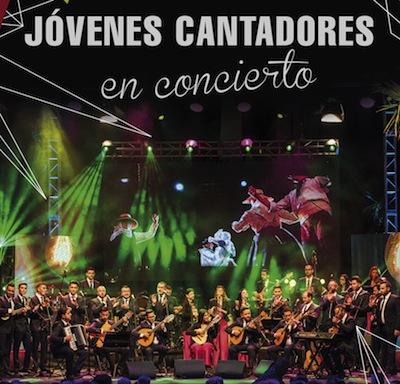 El grupo Jóvenes Cantadores ofrece un concierto en la plaza de la Candelaria