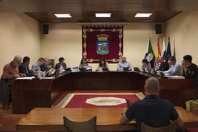 El Cabildo de El Hierro demanda el restablecimiento del tráfico marítimo con La Palma