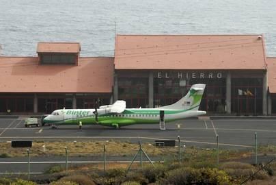 Binter planifica 62 vuelos extraordinarios con El Hierro con motivo de La Bajada