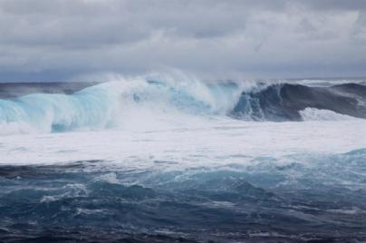 El Gobierno de Canarias declara la alerta en Lanzarote por fenómenos costeros