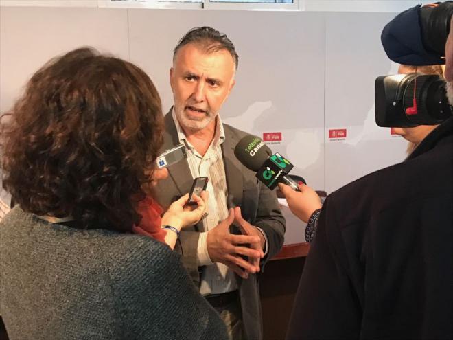 El PSOE pedirá a Clavijo que comparezca en el Parlamento si lo citan como investigado por el 'caso Grúas'