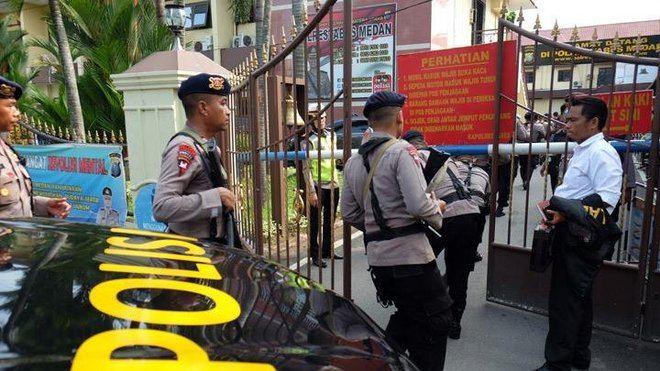 Ataque terrorista en Indonesia al explosionar una bomba en una comisaría de Medan y ocasionar diversos heridos