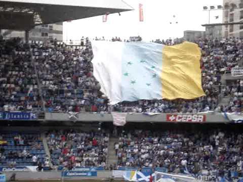 Podemos llevará al Cabildo la queja de peñas del Tenerife por los conflictos con la bandera canaria
