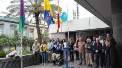 El Cabildo de Gran Canaria Iza la bandera gitana