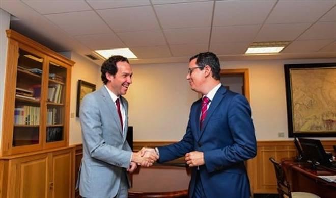 Canarias y Baleares se unen para pedir mejorar la conectividad entre islas