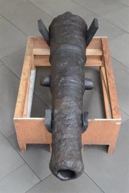 'Arma enmudecida, de hierro y salitre', el rescate de un cañón del siglo XVIII