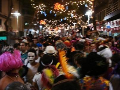 El Carnaval vive su noche con mayor número de participantes