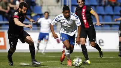 El CD Tenerife suma tres puntos en el Heliodoro