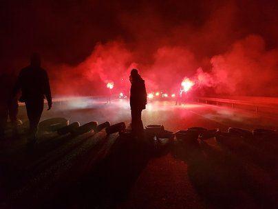 Los CDR cortan 13 carreteras en la jornada de huelga en Cataluña