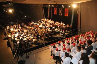 Casi 2.000 personas en el concierto de Navidad de Adeje