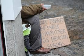 La pobreza material en Canarias alcanza al 13,4% de la población en 2017 y es la más alta del país