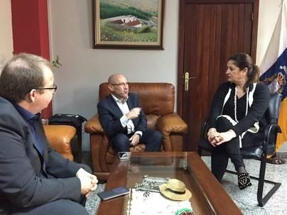 Belén Allende aborda con AENA mejoras en el aeropuerto