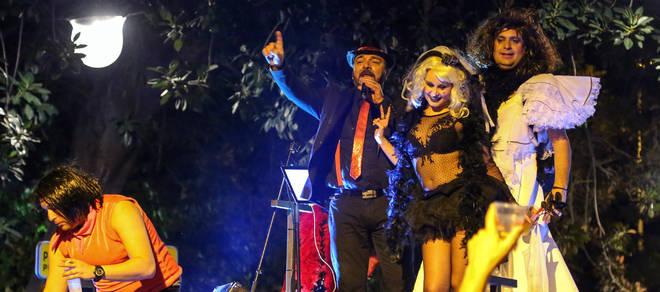 Santa Cruz dice adiós al Carnaval del Caribe bailando de noche y de día