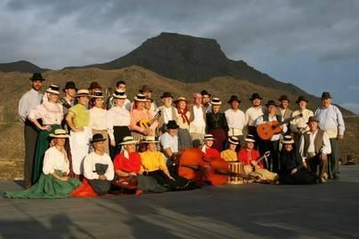 La Escuela Municipal de Folclore de Adeje edita su cuarto disco