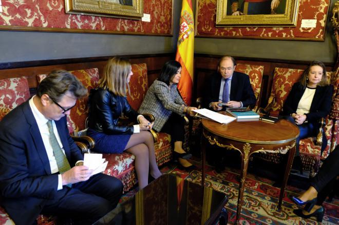 Los parlamentos autonómicos estrechan lazos de colaboración con el Congreso y el Senado