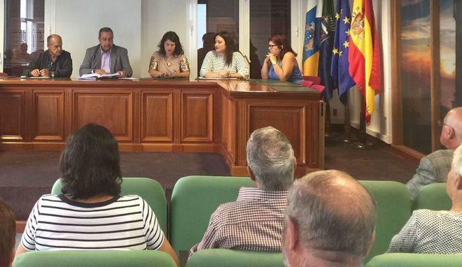 Pleno conmemorativo del décimo aniversario de la fundación de El Pinar de El Hierro