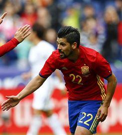 España golea a Corea en un gran partido de Nolito y Silva