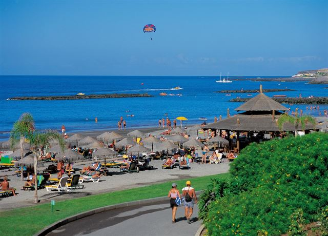 El verano en Canarias, ligeramente cálido y con lluvias escasas