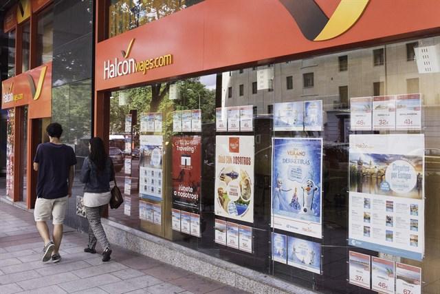 La CNMC multa con 1,8 millones a Halcón Viajes y Viajes Barceló