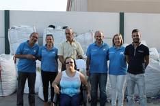 Re�nen 360 kilos de tapones para mejorar la autonom�a de una joven en silla de ruedas