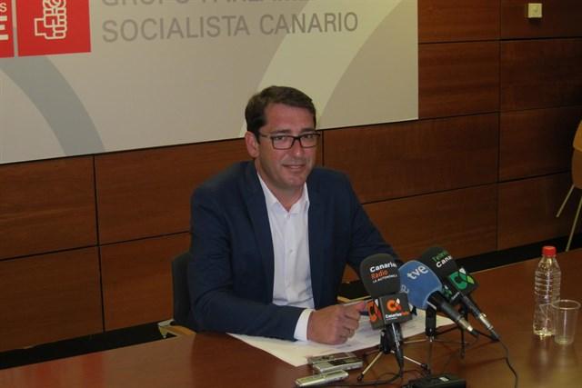 El PSOE niega una censura a Clavijo y critica la